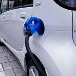 Le auto elettriche inquinano davvero di meno?