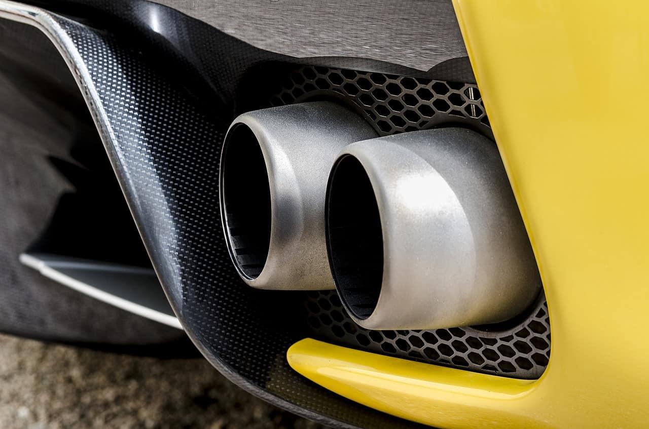 Fiat Chrysler si accorda con Tesla per rientrare nei requisiti di emissione UE