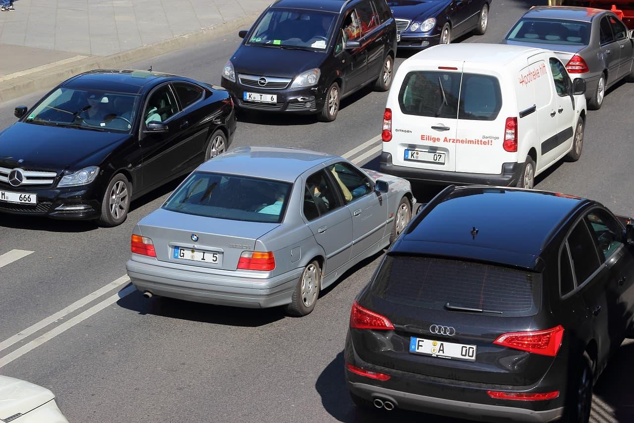 Ford, Toyota, GM e SAE collaborano sugli standard per le auto a guida autonoma