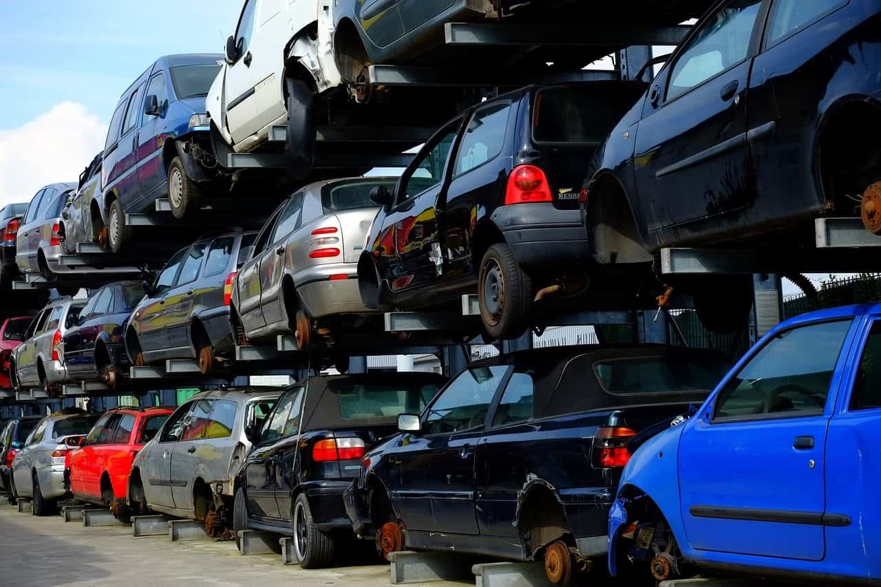 Rottamazione auto: procedimento, costi ed incentivi fiscali