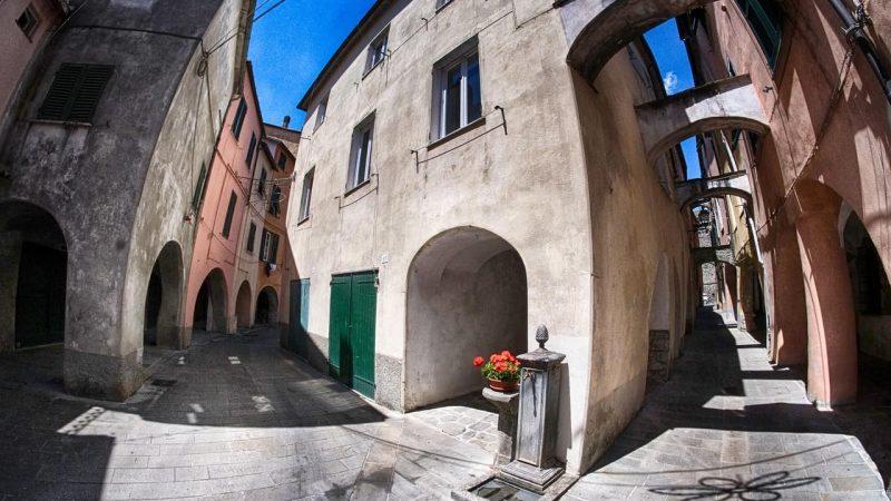 Da Varese Ligure a Berceto attraversando tre regioni